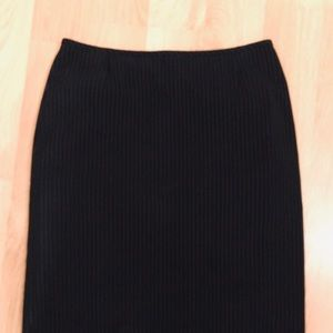 Womens Tahari size 4 pencil skirt